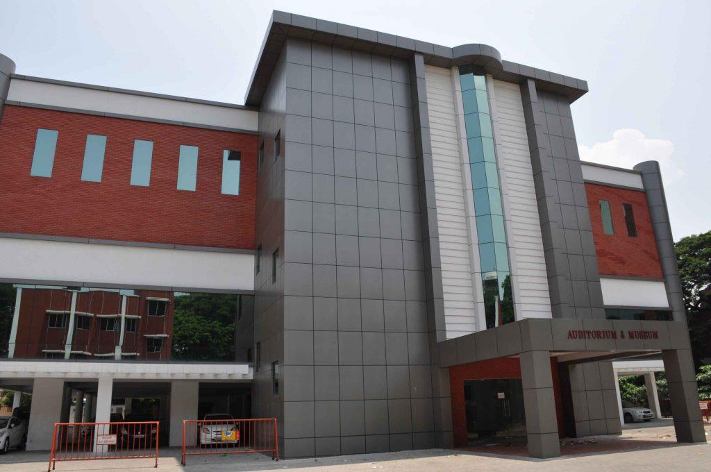 6---3-Floor-Auditorium-Building